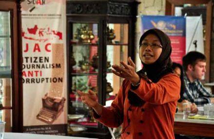 Korupsi Telanjang di Mata Perempuan