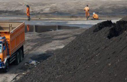 Kontroversi Izin Penambangan Pasir Besi